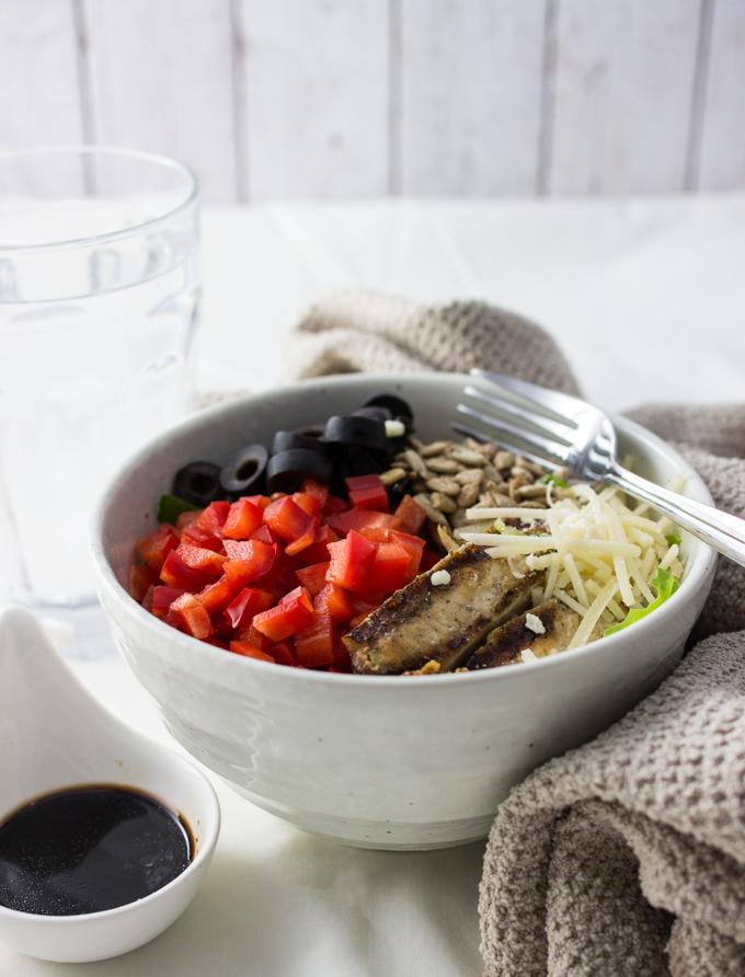Crunchy basil romaine salad