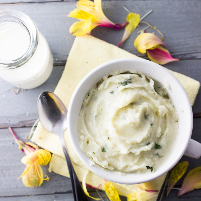 Simple garlic and basil mashed potatoes