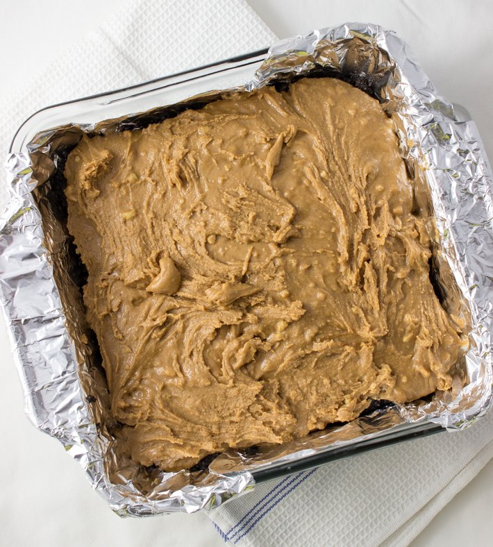 middle peanut butter layer of bars
