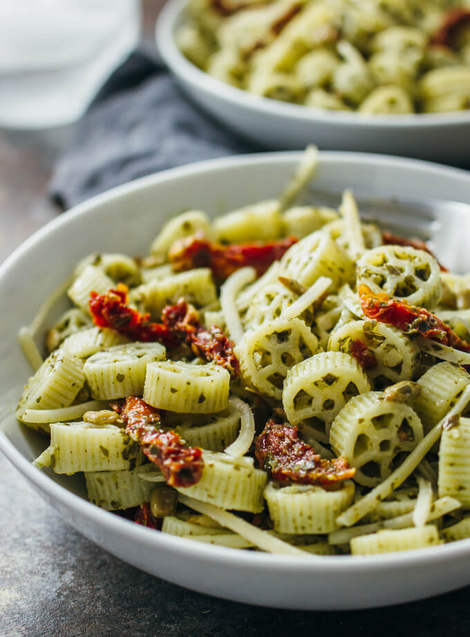 pesto pasta salad recipe with sun-dried tomatoes