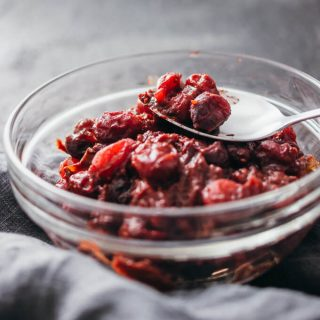 Easy homemade cranberry sauce