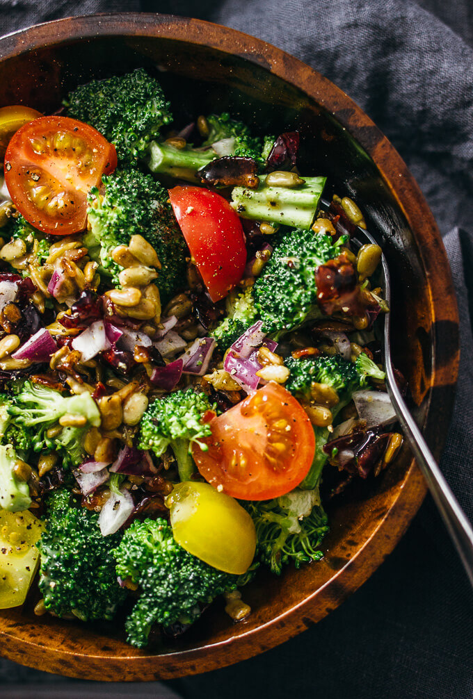 Best cold broccoli salad with bacon and cranberries
