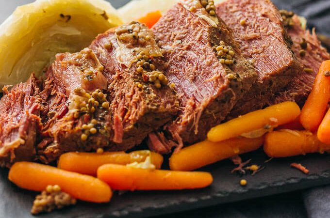 sliced corned beef with cabbage and carrots