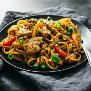 Spicy cashew chicken noodles