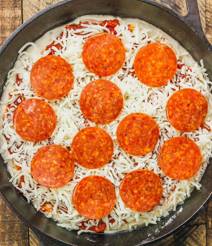 Adding Pepperoni Rounds To A Pizza