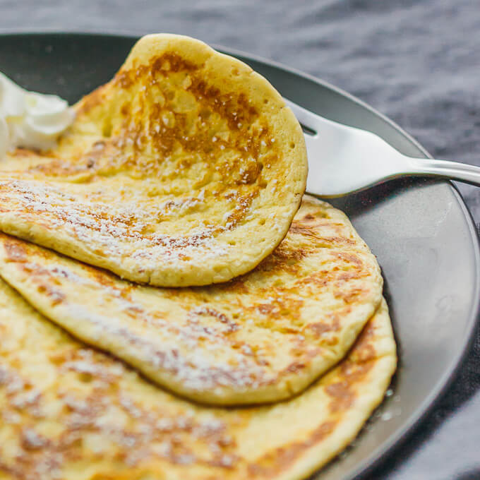 It's super easy to make these breakfast crepes: just two ingredients in this recipe and you don't need any flour. They are a great healthy and low carb alternative to your usual crepes or pancakes.