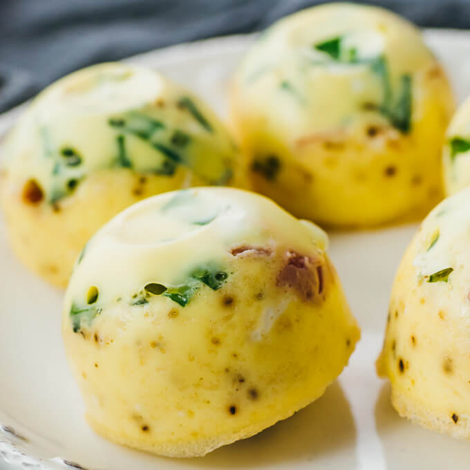 low carb and keto egg bites with spinach and prosciutto for breakfast