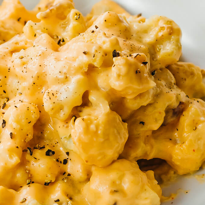 close up view of keto cauliflower mac and cheese