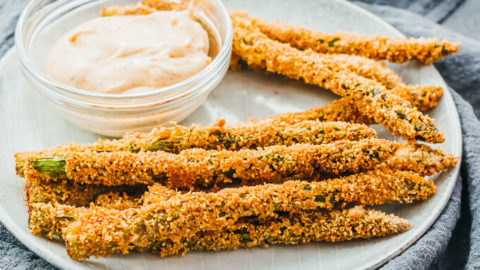 Fried Asparagus With Spicy Mayo Dip