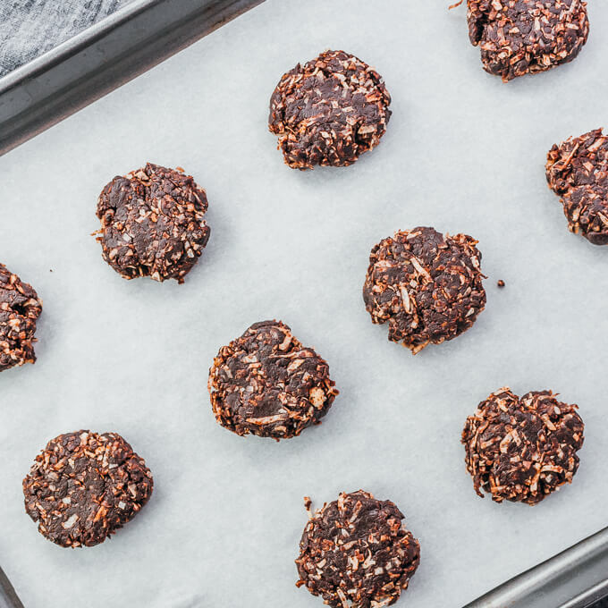 newly formed low carb no bake cookies on a tray