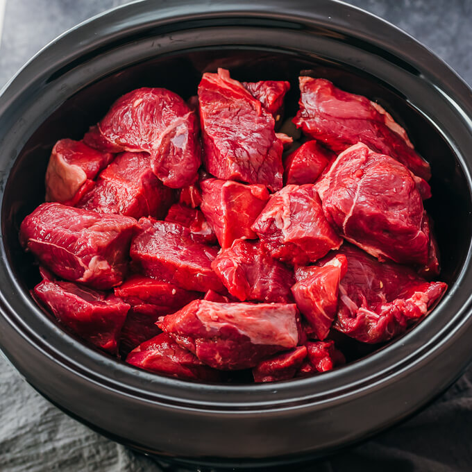 lamb meat in slow cooker